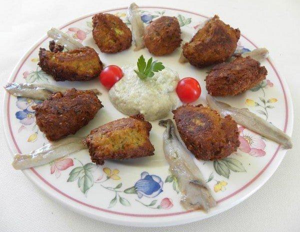 Kolokythokeftedes (Zucchini Patties) - Kopiaste..to Greek Hospitality