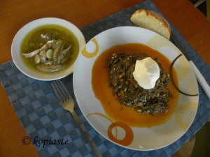 Spanakoryzo spinach and rice with yoghurt
