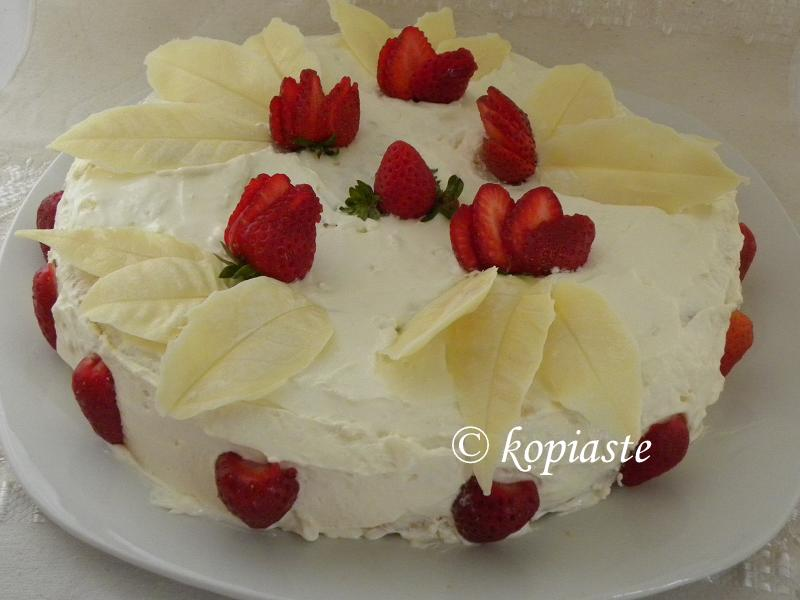 Strawberry Cake With White Chocolate And Cream Cheese Frosting By