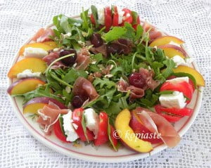 Rocket caprese salad with nectarines
