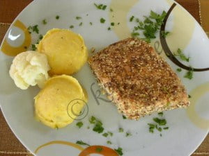 Pumpkin-puree-with-Crusted-Salmon-marked-600x450