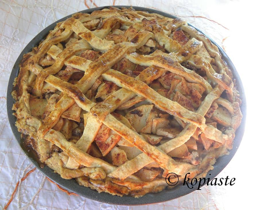 Old-Fashioned Lattice-Top Apple Pie Recipe — Dishmaps