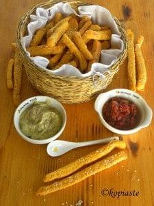 Καλαμποκένια, Πικάντικα Μπαστουνάκια με Τυρί και Τσάτνεϋ Ντομάτας